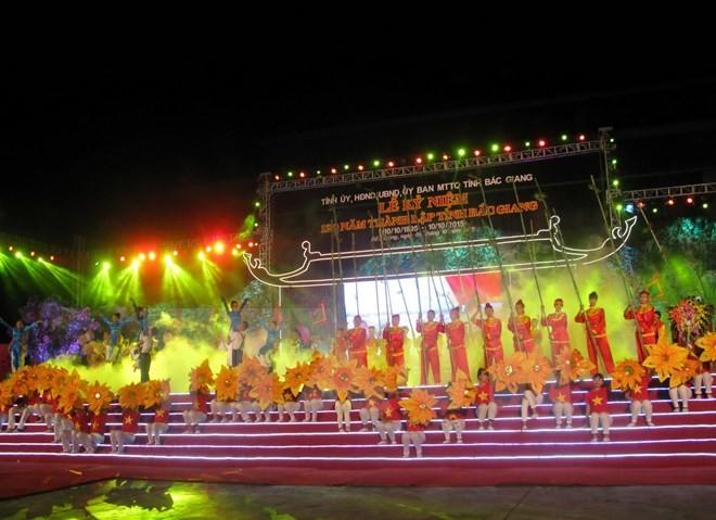 В городе Бакзянг отметили 120-летие со дня создания одноименной провинции - ảnh 1