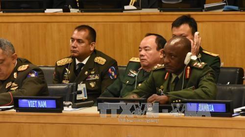 Вьетнам имеет четкую политическую приверженность к участию в миротворческой деятельности ООН  - ảnh 1