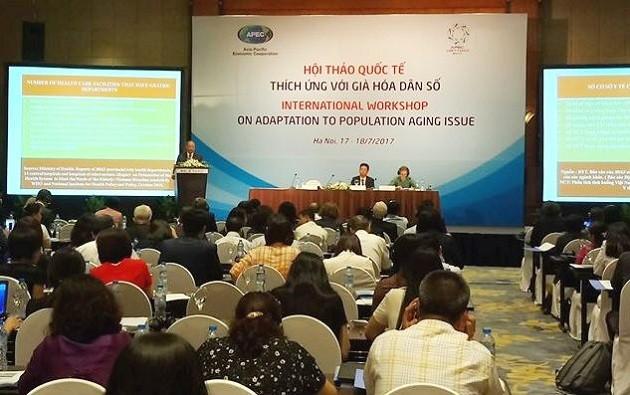 В Ханое проходит международный семинар по адаптации к старению населения - ảnh 1