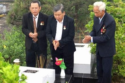 Церемония поминовения вьетнамских солдат-коммунистов, погибших в тюрьме Фукуок  - ảnh 1