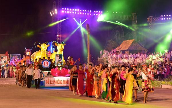 Фестиваль середины осени в городе Туенкуанг 2017 - ảnh 2
