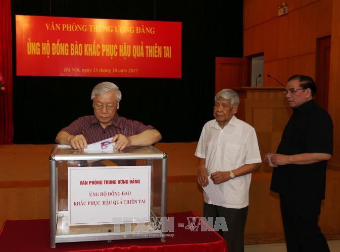 Во Вьетнаме сделали пожертвования в помощь пострадавшим от наводнений - ảnh 1