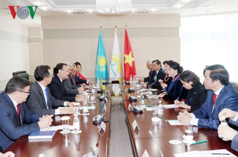 Нгуен Тхи Ким Нган продолжает официальный визит в Казахстан - ảnh 1