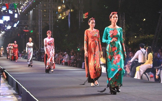В городе Хошимине завершился Фестиваль моды и технологий 2017 - ảnh 1