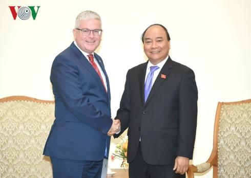 Премьер-министр СРВ Нгуен Суан Фук принял посла Австралии во Вьетнаме Крейга Читтика - ảnh 1