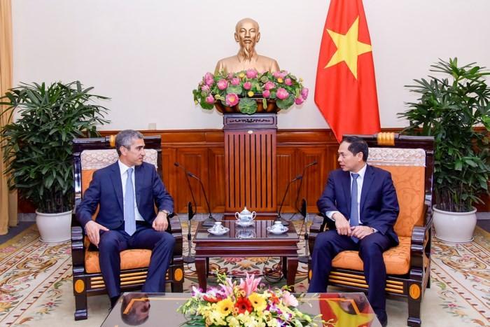 Вьетнам придает важное значение многостороннему сотрудничеству с Азербайджаном - ảnh 1