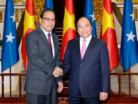 Нгуен Суан Фук принял председателя парламента Микронезии Уэсли У.Симину - ảnh 1