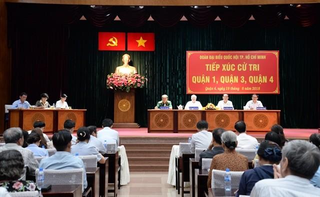 Президент СРВ Чан Дай Куанг встретился с избирателями города Хошимина - ảnh 1