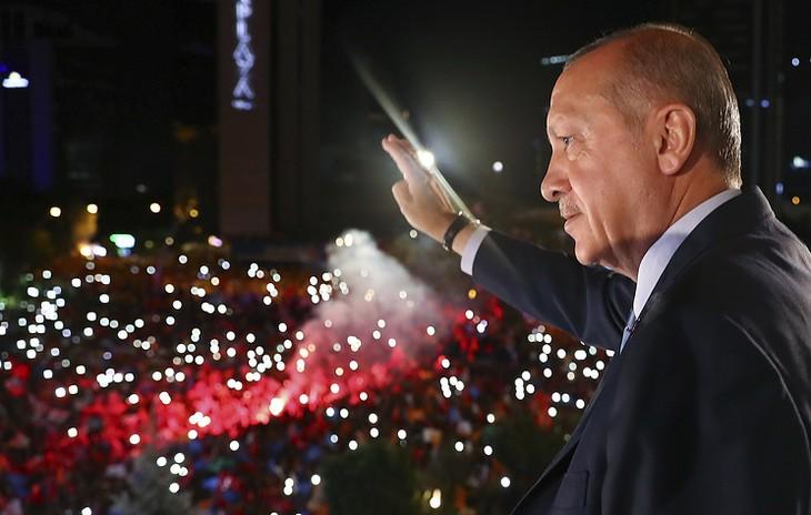 Путин поздравил Эрдогана с переизбранием на пост президента Турции - ảnh 1