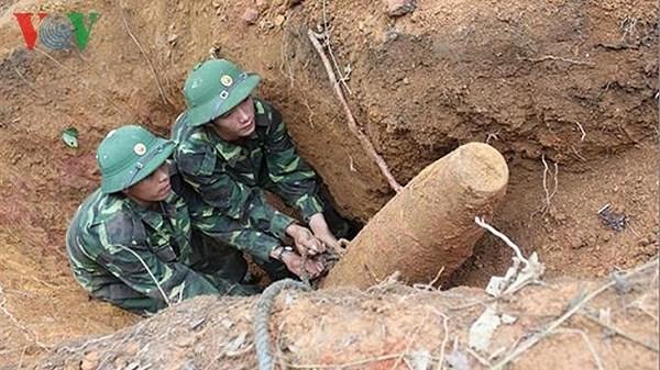 ПРООН содействует Вьетнаму в ликвидации  последствий оставшихся после войны бомб и мин   - ảnh 1