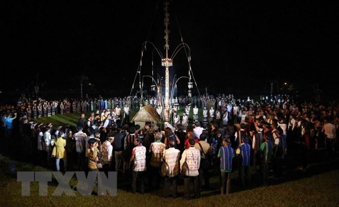 Фестиваль вьетнамских гонгов «конг-тиенг» на плато Тэйнгуен 2018 - ảnh 1