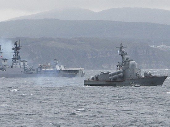 Россия направила в Средиземное море боевых кораблей - ảnh 1