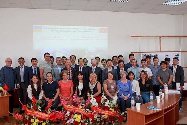 Создан Центр сотрудничества в области образования и научных исследований между Вьетнамом и Украиной - ảnh 1