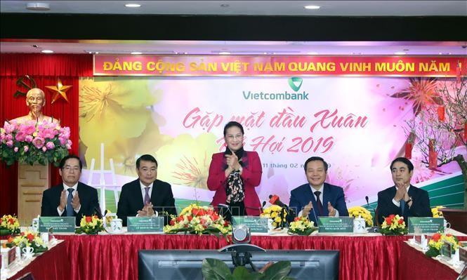 Нгуен Тхи Ким Нган поздравила с Новым годом сотрудников Vietcombank, HDBank, Vietjet Air - ảnh 1