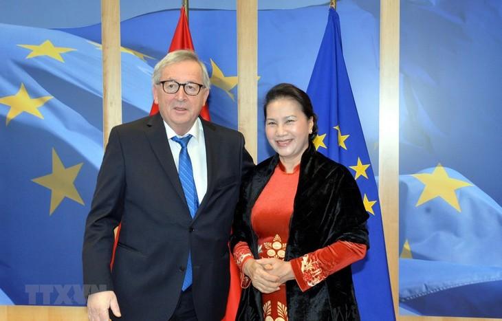Нгуен Тхи Ким Нган встретилась с председателем Еврокомиссии Жан-Клодом Юнкером - ảnh 1