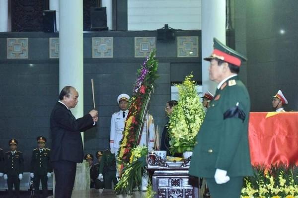 Церемония прощания с бывшим президентом Ле Дык Анем - ảnh 1