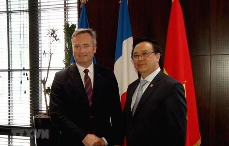 Делегация Компартии Вьетнама посетила Францию с рабочим визитом - ảnh 1