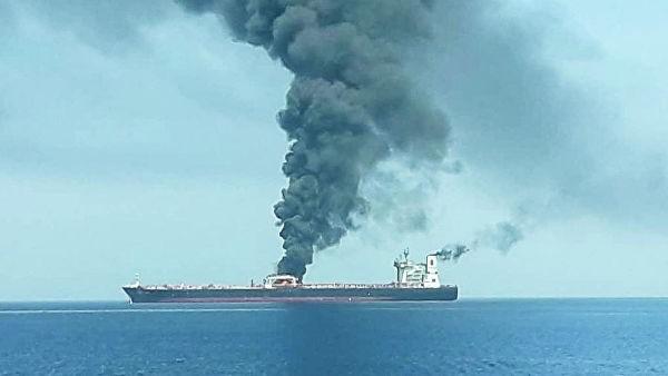 Нападение на два танкера в Оманском заливе – угроза вспышки конфликта на Ближнем Востоке - ảnh 1