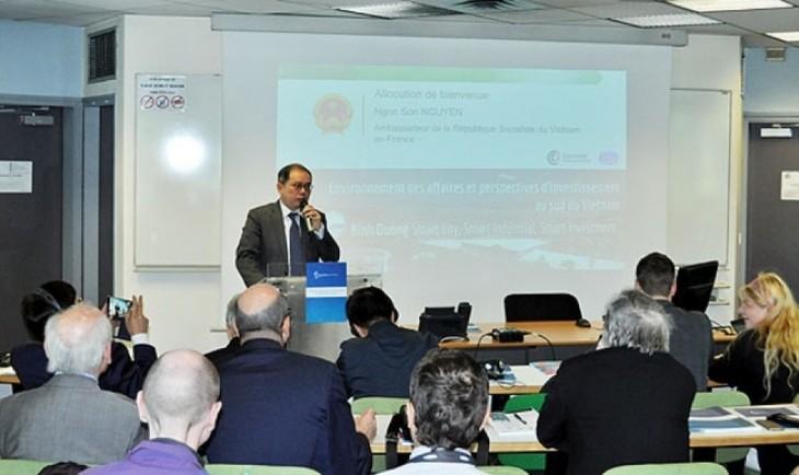 """Lokakarya: """"Lingkungan bisnis dan prospek investasi di Vietnam Selatan"""" di Paris, Perancis - ảnh 1"""