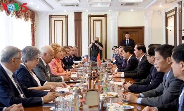 Presiden Vietnam, Tran Dai Quang melakukan pertemuan dengan Ketua Dewan Federasi Rusia - ảnh 1
