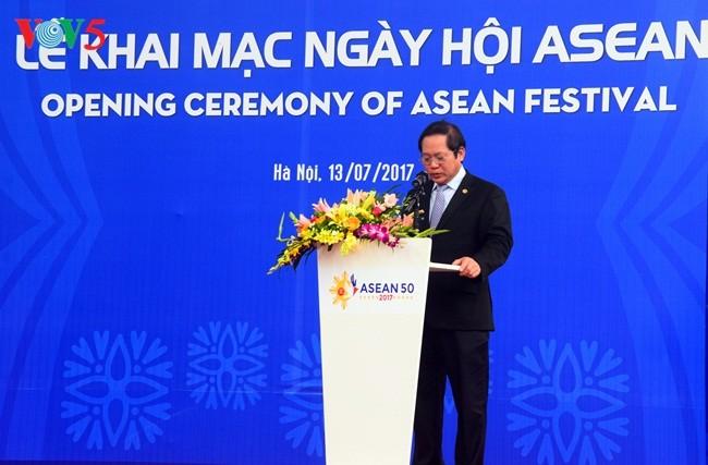 Upacara pembukaan Festival ASEAN dibuka dikota Hanoi - ảnh 1