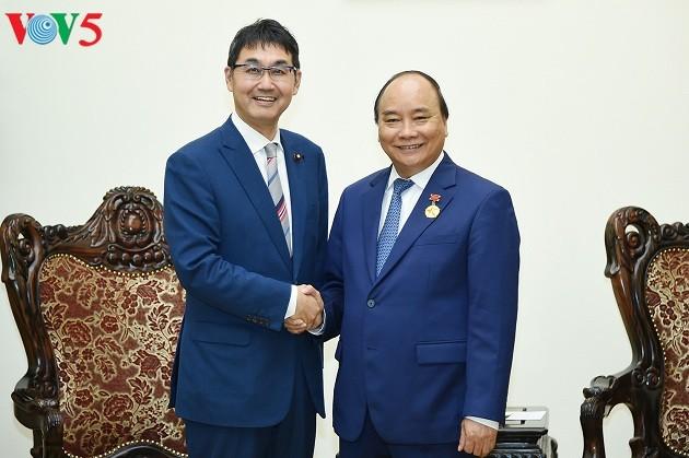 PM Vietnam, Nguyen Xuan Phuc menerima Kawai Katsuyuki, Penasehat Khusus PM Jepang - ảnh 1