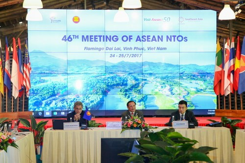 Kerjasama ASEAN memainkan peranan penting yang khusus bagi pariwisata Vietnam - ảnh 1