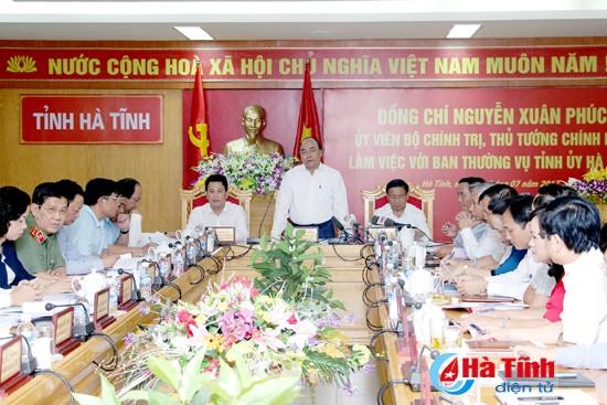 PM Vietnam, Nguyen Xuan Phuc melakukan temu kerja dengan pimpinan Provinsi Ha Tinh - ảnh 1