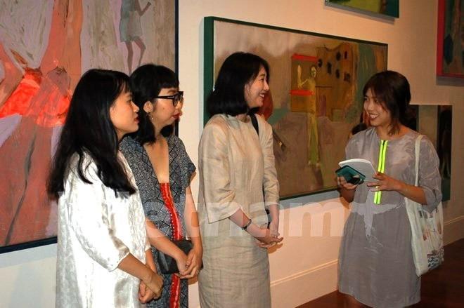Pameran seni rupa istimewa dibuka sehubungan dengan peringatan ultah ke-25 hubungan diplomatik Vietnam-Republik Korea - ảnh 1