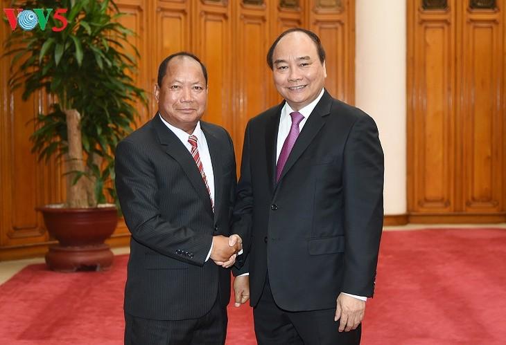 Vietnam memperkuat kerjasama keamanan dengan Kamboja dan Laos - ảnh 2