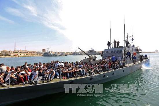 Masalah migran : Libia menyelamatkan kira-kira 500 orang  migran di lepas pantai Tripoli - ảnh 1