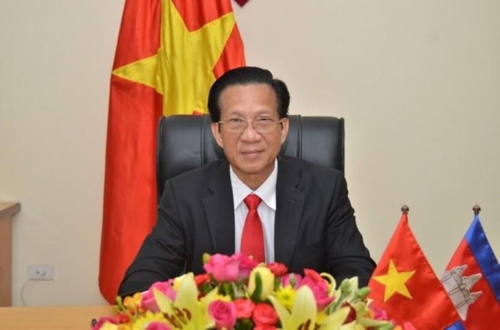 Turut membangun hubungan solidaritas dan persahabatan tradisional antara dua negara Vietnam-Kamboja - ảnh 1