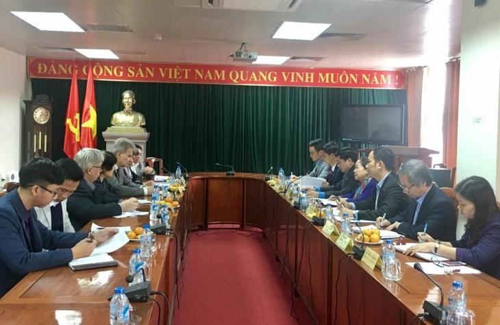 Konfederasi Serikat Pekerja Vietnam melakukan temu kerja dengan Federasi Serikat Buruh Austria - ảnh 1