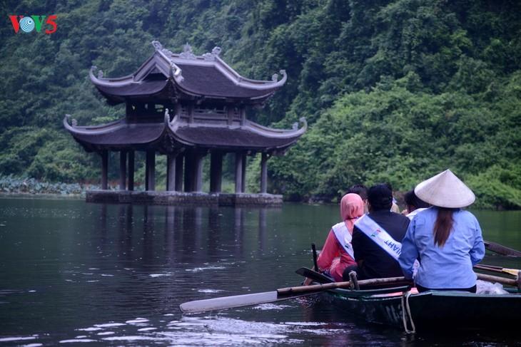 Membawa pariwisata Vietnam menjadi cabang ekonomi andalan - ảnh 1