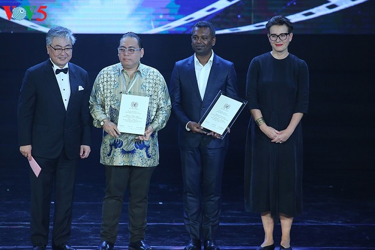 Upacara penutupan dan pemberian penghargaan Festival Film Vietnam yang ke-20 - ảnh 1