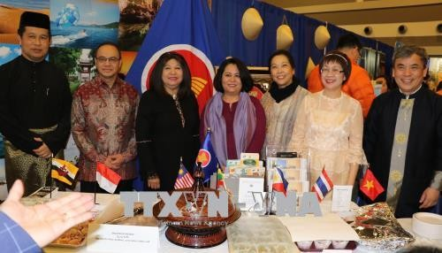 Selar Vietnam di Pekan Raya Pariwisata Ottawa, Kanada - ảnh 1