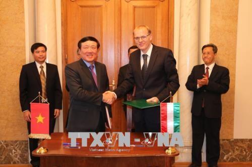 Vietnam dan Hungaria menandatangani MoU kerjasama antara dua Mahkamah Rakyat Agung - ảnh 1