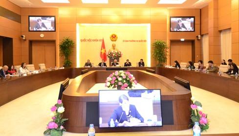 Wakil Ketua MN Vietnam, Uong Chu Luu secara terpisah menerima delegasi Kelompok Legislator Persahabatan Romania – Vietnam dan delegasi Dewan Badan Usaha AS-ASEAN - ảnh 2