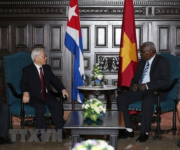 Sekjen KS PKV Nguyen Phu Trong melakukan pertemuan dengan Ketua Parlemen Kuba, Esteban Lazo Hernandes - ảnh 1