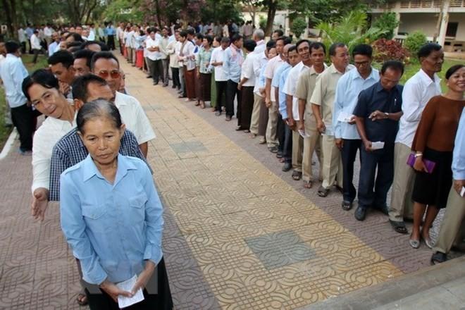 Kamboja memperketat kontrol terhadap informasi di jaringan internet menjelang pemilu - ảnh 1