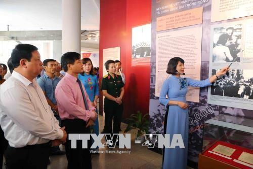 """Pembukaan Pameran """"Presiden Ho Chi Minh dengan gerakan kompetisi patriotik"""" - ảnh 1"""