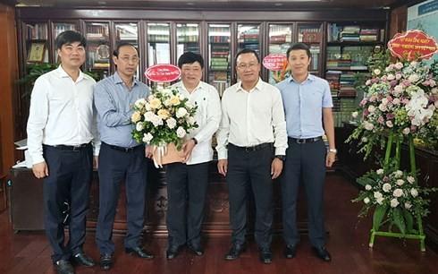 Banyak kementerian dan instansi datang mengucapkan selamat kepada VOV sehubungan dengan Hari Pers Revolusioner Vietnam - ảnh 1