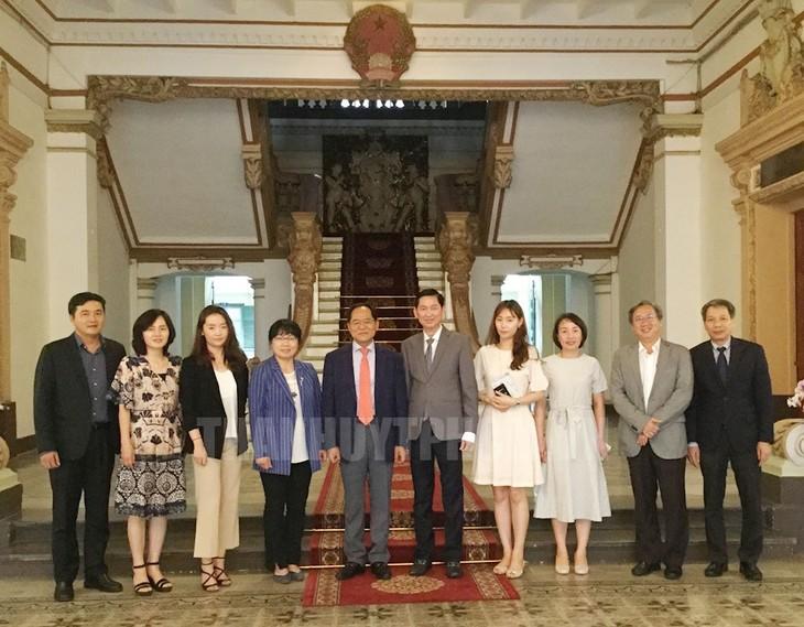 Provinsi Jeollabuk, Republik Korea ingin secepatnya menggalang hubungan kerjasama persahabatan dengan Kota Ho Chi Minh - ảnh 1