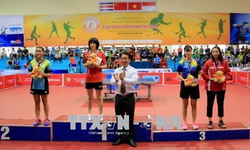 Penutupan Turnamen Pingpong Internasional-Vinh Long  kali ke-3 tahun 2018 - ảnh 1