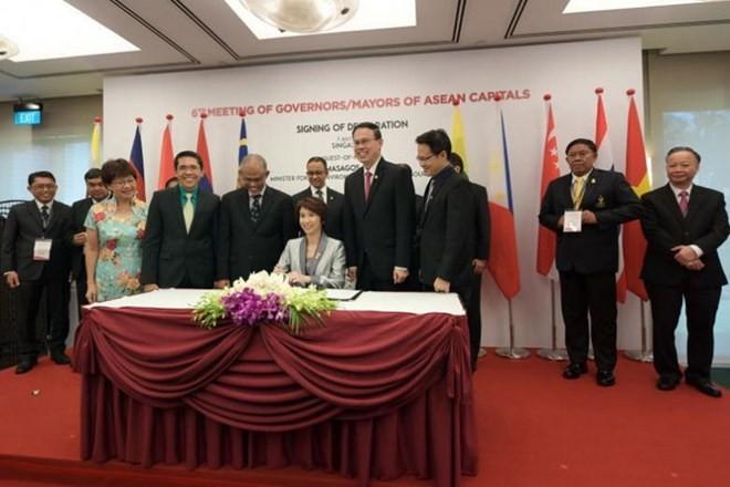 Ibukota negara-negara ASEAN menandatangani Pernyataan Singapura tentang lingkungan yang berkesinambungan - ảnh 1