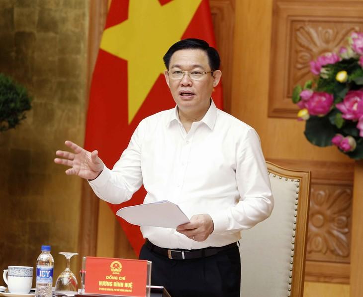 Deputi PM Vietnam, Vuong Dinh Hue memimpin sidang Badan Pengarahan Pembaruan dan Perkembangan Badan Usaha - ảnh 1