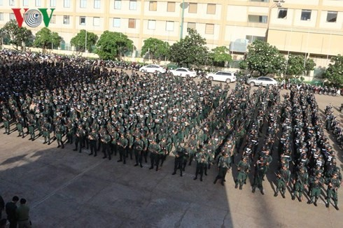 Kamboja mengadakan acara gladi bersih keamanan menjelang pemilu parlemen - ảnh 1
