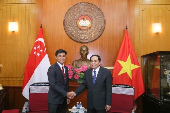 Mendorong perkembangan hubungan Vietnam-Singapura - ảnh 1