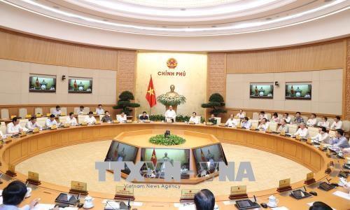 PM Vietnam, Nguyen Xuan Phuc memimpin sidang Pemerintah  tematik tentang penyusunan undang-undang - ảnh 1
