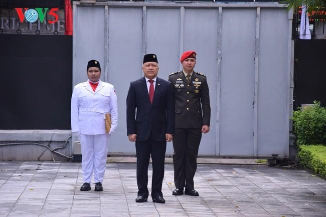 Upacara Bendera sehubungan dengan Hari Kemerdekaan Republik Indonesia (17/08/1945-17/08/2018) - ảnh 3